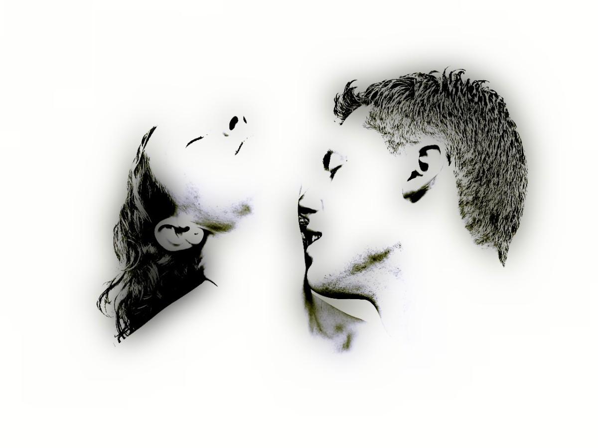 Całus w szyje dwojga kochanków