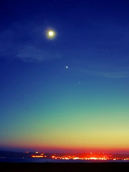 Wieczorne niebo nad miastem Grafika Grafiki Obrazy Zdjęcia Sajmon Graficzek